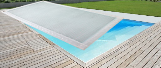 Couverture solaire magic 500 quatro une piscine prot g e for Bache ete piscine octogonale